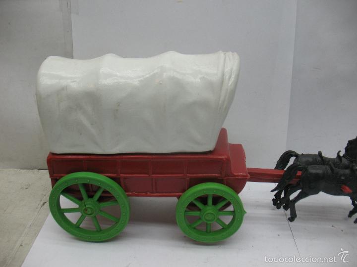 Figuras de Goma y PVC: Carruaje con caballos de plástico vaqueros oeste - Foto 2 - 57322326