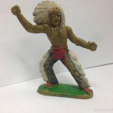 Figuras de Goma y PVC: FIGURA ANTIGUA FABRICADA EN GOMA MARCAQ SOTORRES JEFE INDIO . Lote 57326332