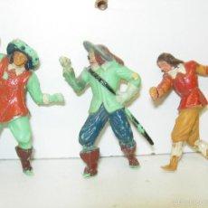 Figuras de Goma y PVC: LOTE 3 FIGURAS PLÁSTICO MOSQUETEROS DE FRANCIA DE JECSAN, CON ROTURAS. Lote 57360085