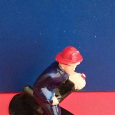Figuras de Goma y PVC: FIGURA PLASTICO - BOMBERO. Lote 57396666