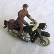 Figuras de Goma y PVC: MOTORISTA DE PLÁSTICO DE TEIXIDO. Lote 57544620