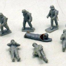 Figuras de Goma y PVC: 10 SOLDADOS ALEMANES MONTAPLEX MONTA PLEX AÑOS 70 . Lote 57595221