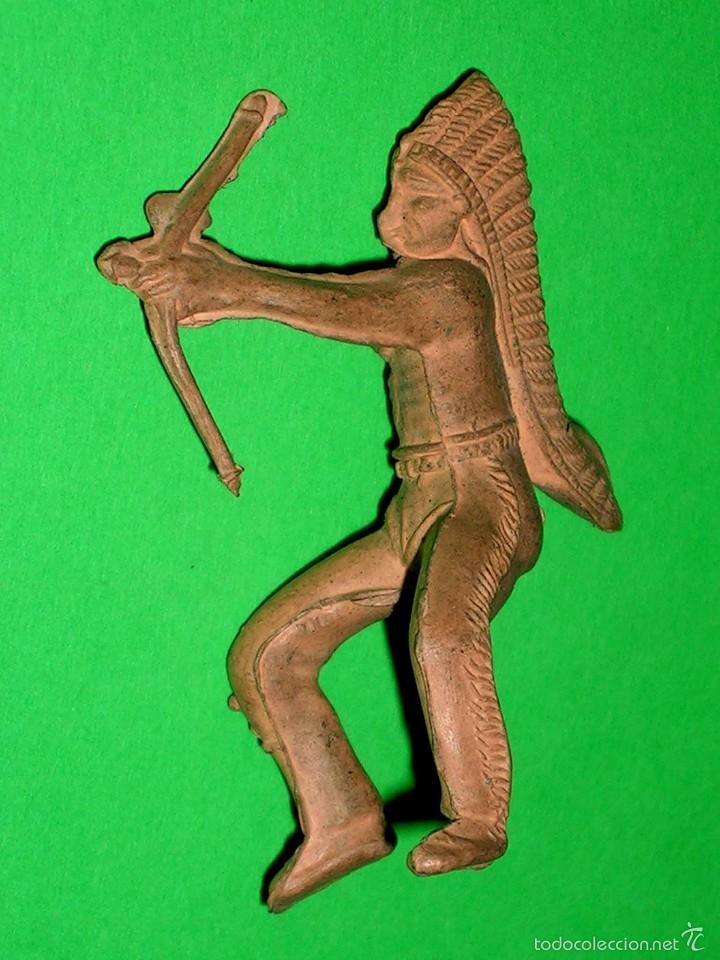 FIGURA GUERRERO INDIO OESTE, FABRICADO EN GOMA, REAMSA. ORIGINAL AÑOS 50. (Juguetes - Figuras de Goma y Pvc - Reamsa y Gomarsa)