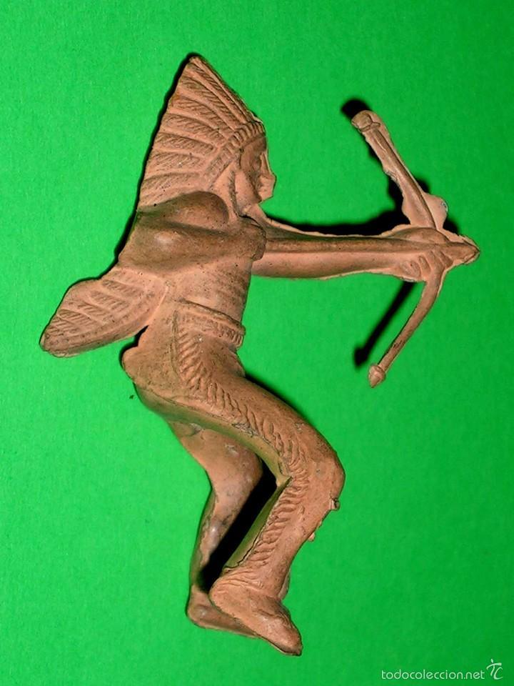 Figuras de Goma y PVC: Figura guerrero indio Oeste, fabricado en goma, Reamsa. Original años 50. - Foto 2 - 57610369