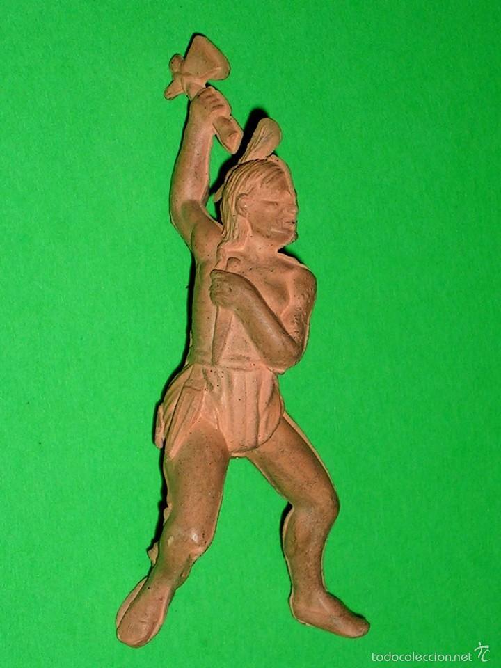 Figuras de Goma y PVC: Figura guerrero indio Oeste, fabricado en goma, Reamsa. Original años 50. - Foto 2 - 57610384