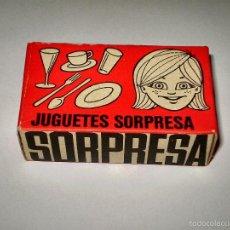 Figuras de Goma y PVC: MONTAPLEX ESJUSA - CAJA SORPRESA - NUEVA CON SU CONTENIDO ORIGINAL - KIOSKO AÑOS 70´S. Lote 108302310
