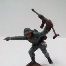 Figuras de Goma y PVC: SOLDADO ALEMAN . PECH . AÑOS 60. Lote 57836950
