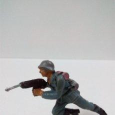 Figuras de Goma y PVC: SOLDADO ALEMAN . PECH . AÑOS 60. Lote 57837228