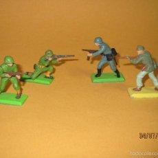 Figuras de Goma y PVC: ANTIGUO LOTE DE 4 SOLDADOS SERIE DEETAIL DE BRITAINS 2ª GUERRA MUNDIAL CON BASE DE METAL. Lote 57850526