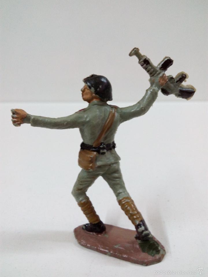Figuras de Goma y PVC: SOLDADO RUSO . PECH . AÑOS 60 - Foto 2 - 57853103