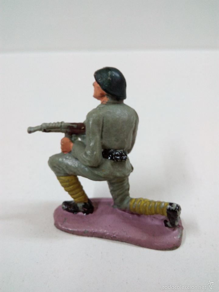 Figuras de Goma y PVC: SOLDADO RUSO . PECH . AÑOS 60 - Foto 2 - 57853821