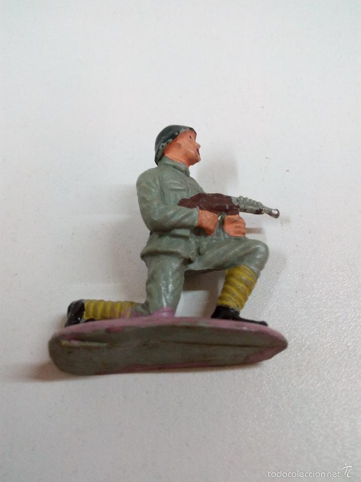 Figuras de Goma y PVC: SOLDADO RUSO . PECH . AÑOS 60 - Foto 3 - 57853821