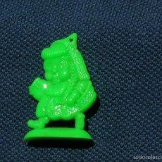 Figuras de Goma y PVC: COLGANTE, FIGURA PLANA DE CAPERCUTA ROJA.PREMIUM, PIPAS, CHICLES ?.AÑOS 60.. Lote 57979762