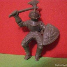 Figuras de Goma y PVC: FIGURA DE CABALLERO GUERRERO MEDIEVAL.. Lote 57980326