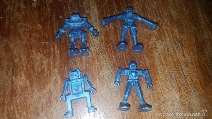 LOTE 4 ROBOT MARCA PIPERO DE PLASTICO (Juguetes - Figuras de Goma y Pvc - Pipero)