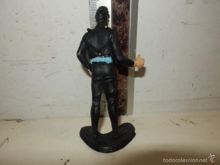 Figuras de Goma y PVC: figura seri james bond submarinista buzo pvc 8/9 cm - Foto 2 - 111476927