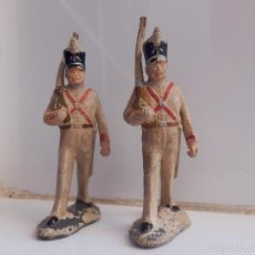 Figuras de Goma y PVC: SOLDADOS EN GOMA DESFILE GUARDIA REAL PECH. Lote 58500208