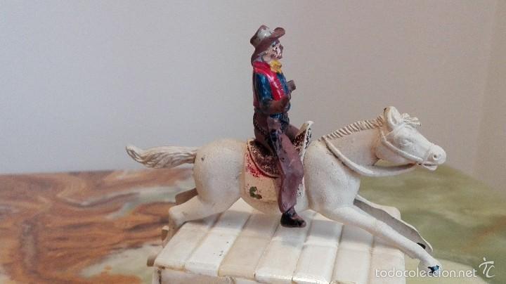 Figuras de Goma y PVC: Vaquero con caballo del Oeste Goma hermanos pech años 50 - Foto 2 - 58595699