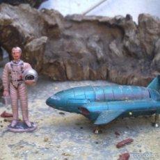 Figuras de Goma y PVC: ASTRONAUTA DE JECSAN Y NAVE ESPACIAL DE LOS THUNDERBIRD DE ACERO. Lote 58741800