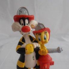 Figuras de Goma y PVC: FIGURA PVC SILVESTRE Y PIOLIN BOMBEROS, WARNER BROS, BULLYLAND 1998. Lote 58841856