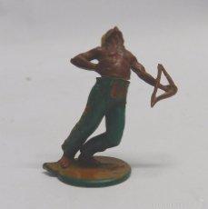 Figuras de Goma y PVC: FIGURA INDIO CON ARCO. EN GOMA. AÑOS 50. GAMA. DOS PIEZAS.. Lote 58992065