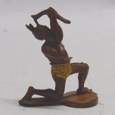Figuras de Goma y PVC: FIGURA INDIO CON ARCO. EN GOMA. AÑOS 50. GAMA. DOS PIEZAS.. Lote 58992465