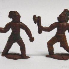 Figuras de Goma y PVC: 2 FIGURAS DE INDIOS, FABRICADOS POR PECH, REALIZADOS EN GOMA, MIDE 4 CMS.. Lote 59107930