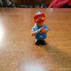 Figuras de Goma y PVC: FIGURA DE EPI BOMBERO EN PVC, BARRIO SESAMO (MUPPETS) TELEÑECOS, APPLAUSE JIM HENSON. Lote 59768980