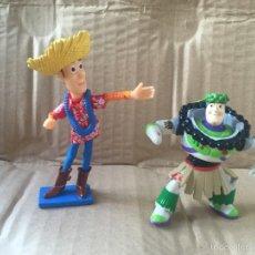 Figuras de Goma y PVC: FIGURAS PVC BUZZ LIGHTYEAR Y WOODY HAWAIANOS TOY STORY DISNEY PIXAR. Lote 60648925