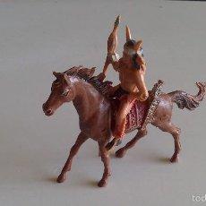 Figuras de Goma y PVC: LOTE DE INDIO JINETE EN CABALLO INDIO COMANSI. ORIGINAL AÑOS 60. Lote 60855551