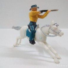 Figuras de Goma y PVC: VAQUERO A CABALLO . Lote 62546992