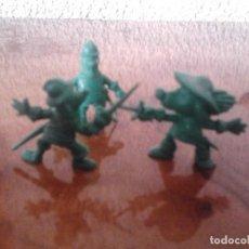 Figuras de Goma y PVC: 3 FIGURAS DUNKIN DARTACAN Y LOS MOSQUEPERROS, PHOSKITOS AÑOS 80, DARTACAN CONTRA LA GUARDIA . Lote 62948444