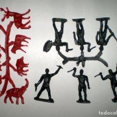 Figuras de Goma y PVC: MONTAPLEX - LOTE AFRICA - TRIBU COMPLETA Y COLADA DE ANIMALES. Lote 63350304