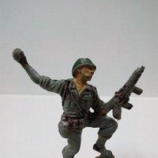 Figuras de Goma y PVC: SOLDADO AMERICANO . PECH . AÑOS 50 EN GOMA. Lote 63368508