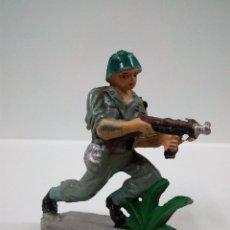 Figuras de Goma y PVC: SOLDADO AMERICANO . PECH . AÑOS 50 EN GOMA. Lote 63370096