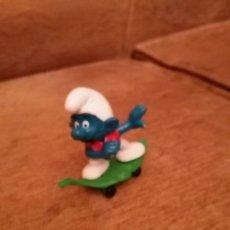 Figuras de Goma y PVC Schleich: PITUFO PATINADOR. Lote 63684915