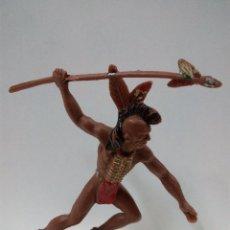 Figuras de Goma y PVC: PRECIOSO GUERRERO INDIO . REALIZADO POR LAFREDO AÑOS 60 . ALTURA 9 CM. Lote 64307623