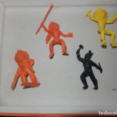 Figuras de Goma y PVC: FIGURAS DE PVC INDIOS COMANSI PECH JECSAN MINIOESTE COMANSI MIN OESTE. Lote 64447263