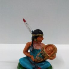 Figuras de Borracha e PVC: MUJER INDIA CON SU BEBE . STARLUX . AÑOS 60. Lote 64480103