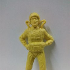 Figuras de Goma y PVC: PARACAIDISTA MONOCOLOR . PIPERO . Lote 64484607