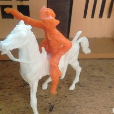 Figuras de Goma y PVC: ANTIGUAS FIGURAS DEL OESTE. COWBOY A CABALLO. PLÁSTICO. LA ILUSIÓN. AÑOS 70. Lote 64848490