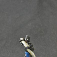 Figuras de Goma y PVC: NEGRO PORTEADOR DEL SAFARI CON COLMILLO.. Lote 65437355