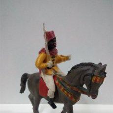 Figuras de Goma y PVC: SOLDADO A CABALLO DE LA GUARDIA MORA . REALIZADO POR PECH . AÑOS 50 EN GOMA. Lote 65903466