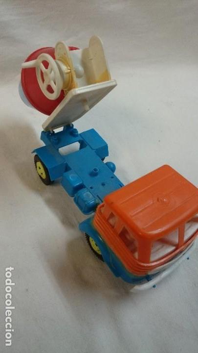 Figuras de Goma y PVC: CAMIÓN DE PLASTICO HORMIGONERA PEGASO - Foto 4 - 65952414