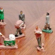Figuras de Goma y PVC: 8 FIGURAS DE PLASTICO DE PEATONES DE LA MARCA EKO AÑOS 60. Lote 66784574