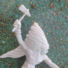 Figuras de Goma y PVC: ANTIGUA FIGURA DEL OESTE COMANSI. GUERRERO INDIO. CANAL PIPERO. 70 MM.. Lote 66901639