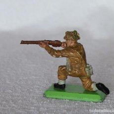 Figuras de Goma y PVC: SOLDADO INGLES BRITAINS LTD 1971 DEETAIL MADE IN ENGLAND BRITISH SOLDIER 6. Lote 67159989
