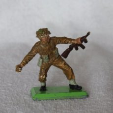 Figuras de Goma y PVC: SOLDADO INGLES BRITAINS LTD 1971 DEETAIL MADE IN ENGLAND BRITISH SOLDIER 7. Lote 221224682