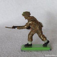 Figuras de Goma y PVC: SOLDADO INGLES BRITAINS LTD 1971 DEETAIL MADE IN ENGLAND BRITISH SOLDIER 8. Lote 67161645
