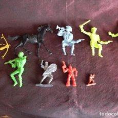 Figuras de Goma y PVC: LOTE FIGURAS DE PLASTICO. COMANSI. INDIO, VAQUERO , ROBOT, CABALLO. Lote 67645737